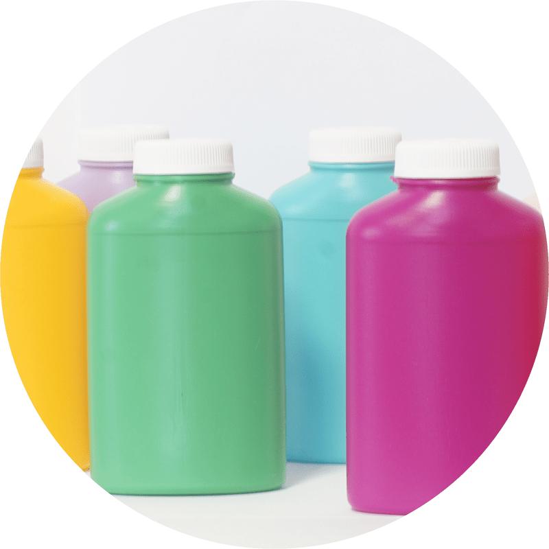 Kolorowe butelki docelów farmaceutycznych